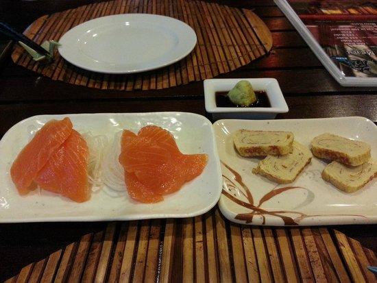 ENZO, Bistro Fusion Japanese: Salmon sashimi & tamagoyaki