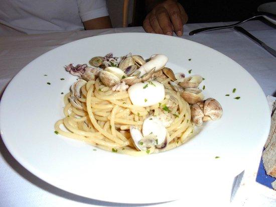 Ristorante Arturo Cucina di Mare : Spaghetti vongole e calamari