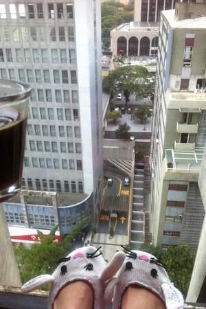 Tivoli Mofarrej - Sao Paulo: Coffee in room with a view facing front of the hotel