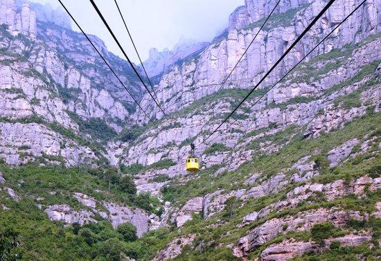 Aeri de Montserrat: Спускается кабинка