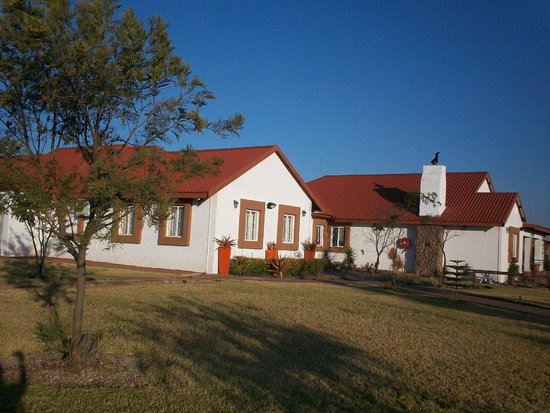 Makgabeng Lodge: Lodge from the outside