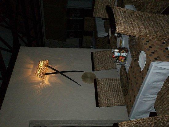 Makgabeng Lodge: dining area