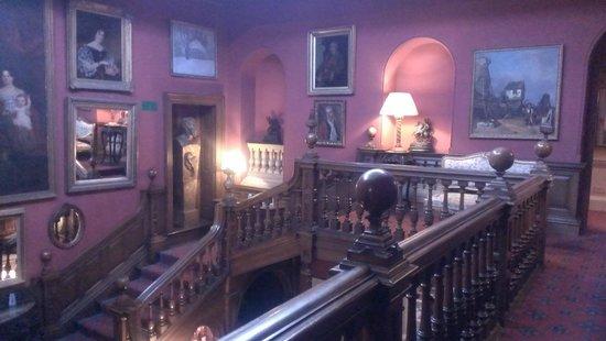 Chilston Park Hotel: 階段上