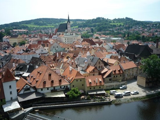 Historic Center of Cesky Krumlov: down-town of Cesky seen from the Castle's tower