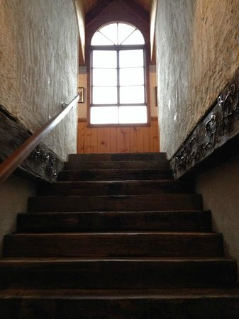 Hawley House : Stairs leading to room