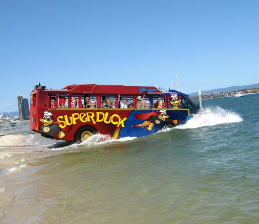 Superduck Adventure Tours: Superduck splashes into the water