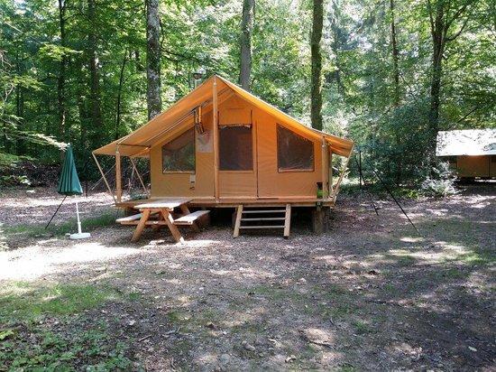 Village Huttopia Senonches : Tente trappeur pour 5 pers