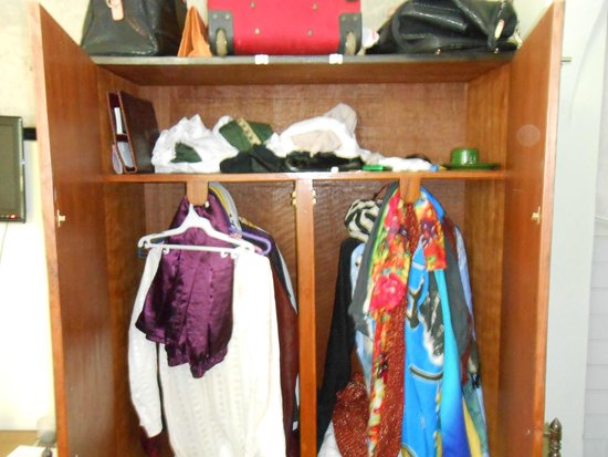 Pariwar B&B: Wardrobe closet