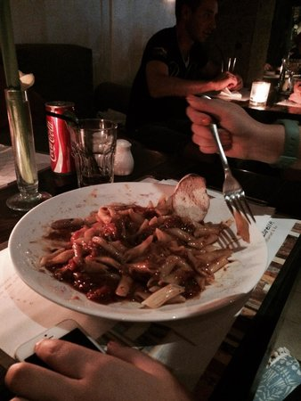 Mozzarella Restaurant and Bar: Tomatoe based penne yummo