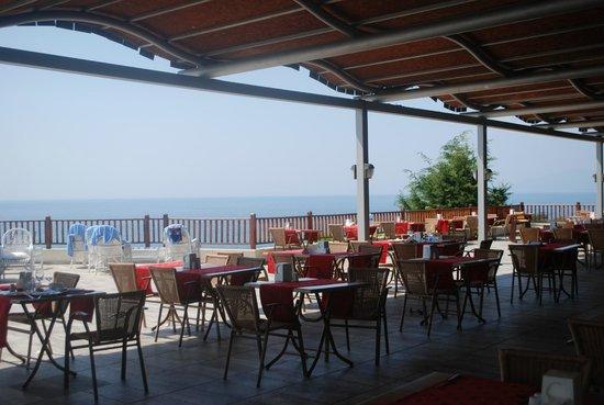 Sealight Resort Hotel: Het buffetrestaurant, outside
