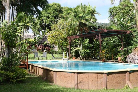 Samoan Outrigger Hotel: Poolside