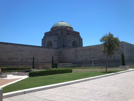 Australian War Memorial: 戰爭紀念館外觀