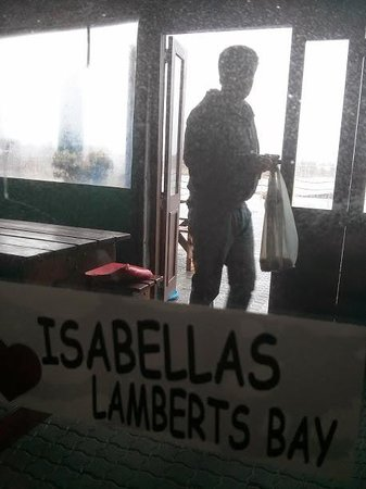 Isabella's Restaurant : Inside on a rainy day