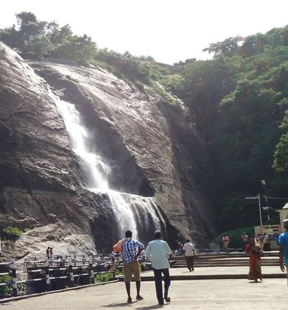 old courtallam falls