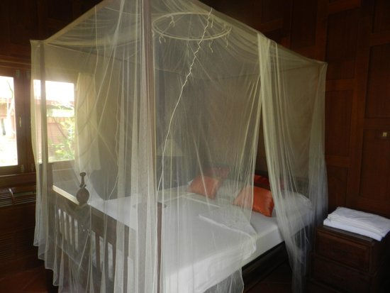 Baan Mai Cottages: chambre