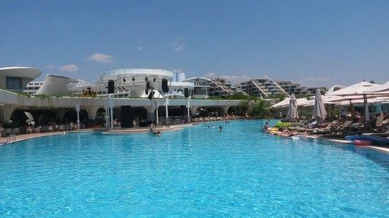Cornelia Diamond Golf Resort & Spa: Havuzlar mükemmel