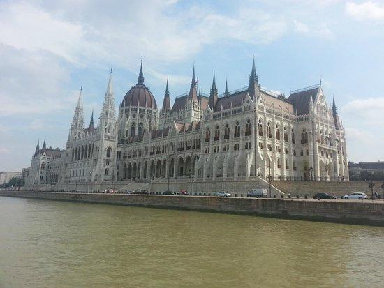 La Prima Fashion Hotel: Parlamento