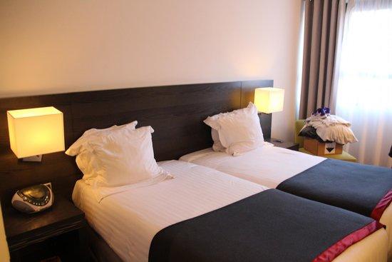 New Hotel Of Marseille : Værelset