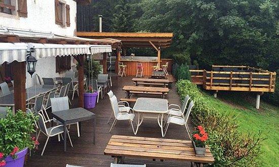 Nouvelle terrasse picture of auberge de liezey liezey for Auberge du haut jardin