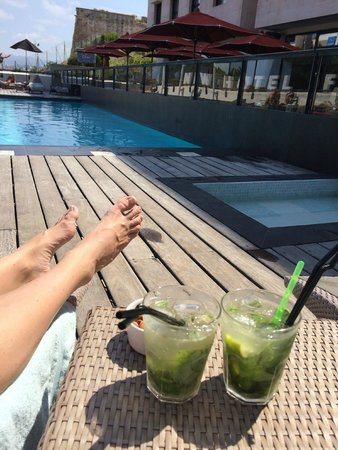 New Hotel Of Marseille: Poolen og gode mojitos fra baren