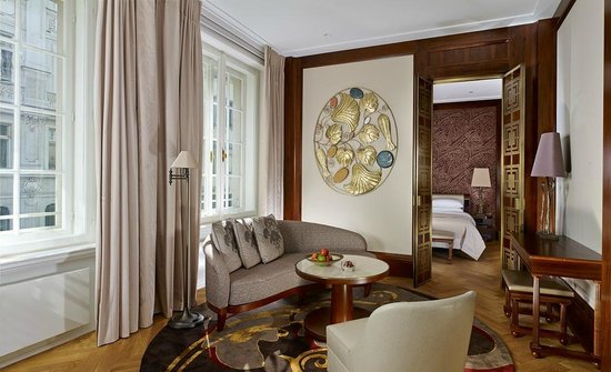 Park Hyatt Vienna: Park Suite Living Room Part 40