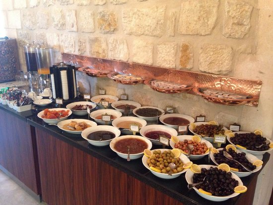 Izala Hotel : Amazing Breakfast, so much to choose from.