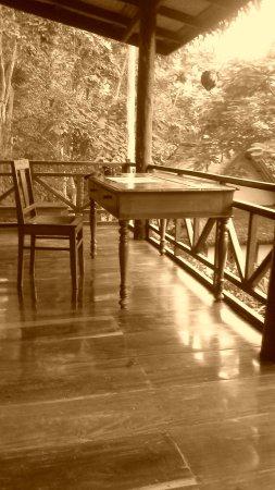 Lao Spirit Resort: terrasse du bungalow
