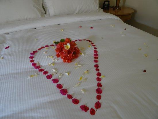 Hilton Mauritius Resort & Spa : lit fleuri
