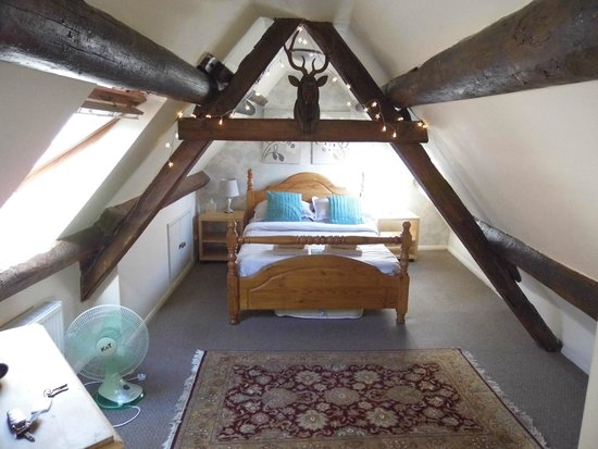 Sanders Yard : The Jade Attic room