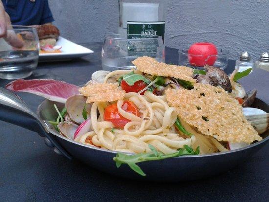 La Romana : linguines aux langoustes et palourdes, parmesan