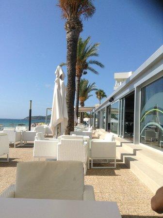 Hotel Garbi Ibiza & Spa : Chill out restaurant (sulla spiaggia)