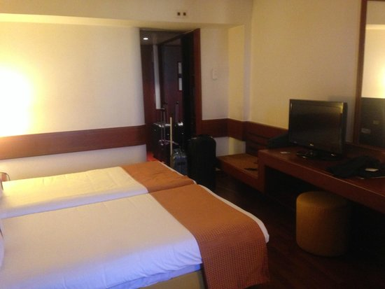 Holiday Inn Lisbon - Continental : Room