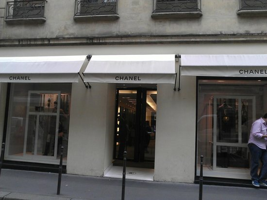 Chanel 31 rue cambon picture of chanel paris tripadvisor for Chanel locations in paris