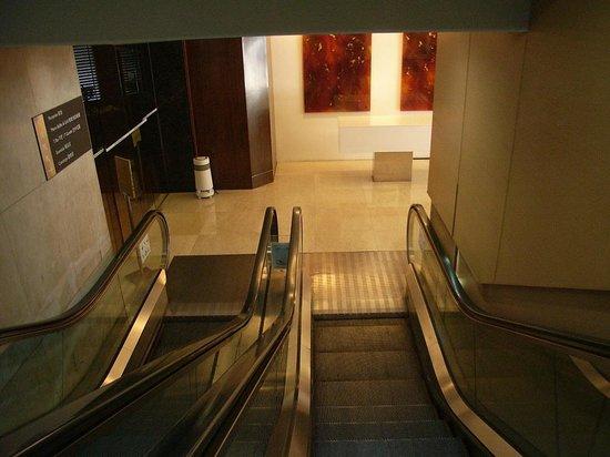 Eaton, Hong Kong: Escalator