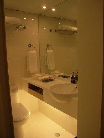 Eaton, Hong Kong: Bathroom