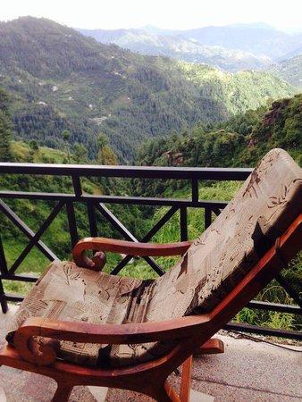 V Resorts Narkanda Cottage: The Balcony to the rooms