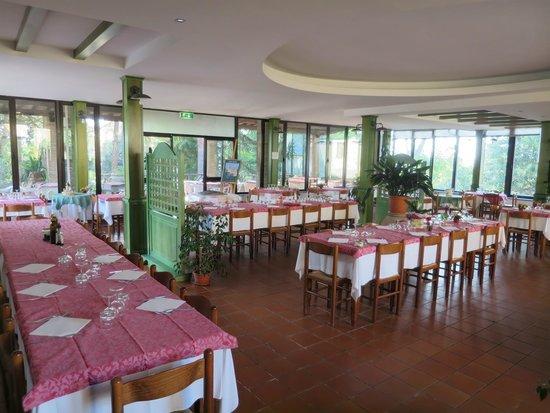 Hotel Ristorante La Pergoletta: Main restaurant