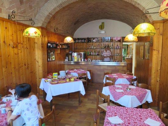 Hotel Ristorante La Pergoletta: The breakfast room