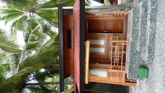 Ampana, Indonesia: bungalow