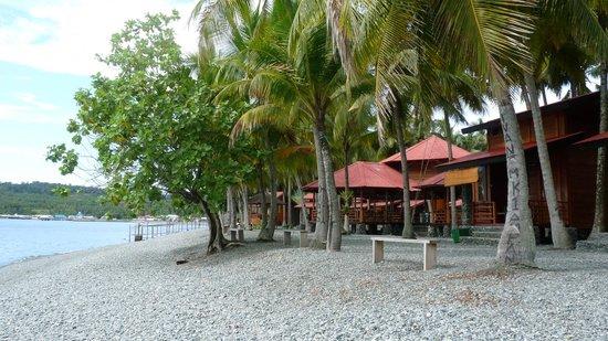 Ampana, Indonesia: plage