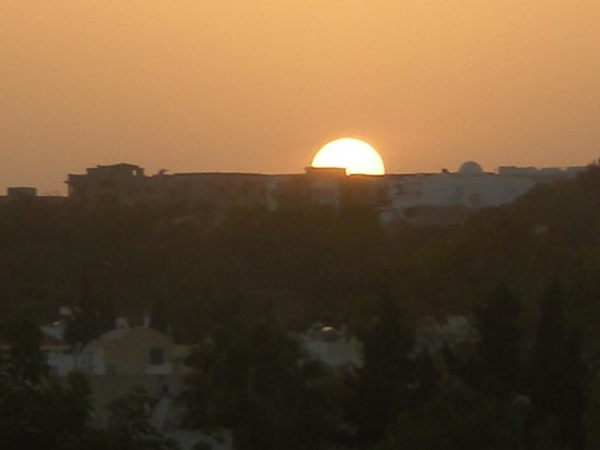 Golf Residence Hotel : Sunset from balcony