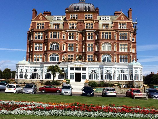 Grand Burstin Hotel: The Leas area is beautiful and well worth exploring