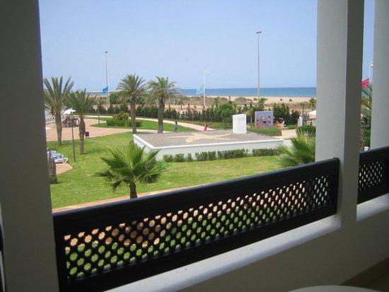 IBEROSTAR Saidia : Vista para piscina e praia ao fundo