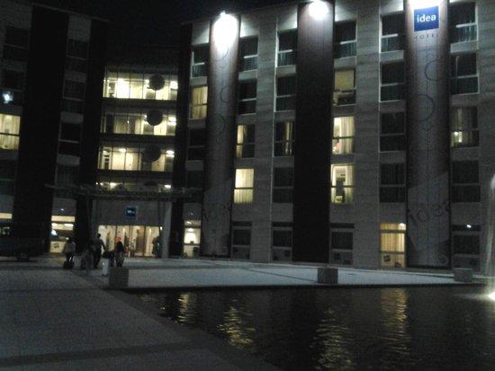 Idea Hotel Plus Milano Malpensa Airport: veduta esterna dell'hotel