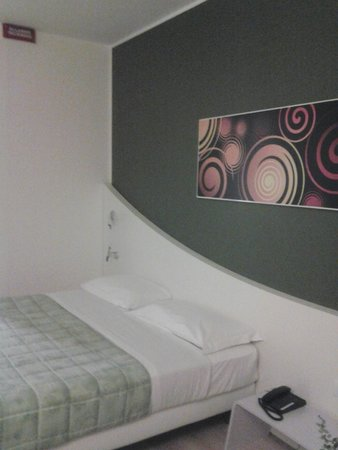 Idea Hotel Plus Milano Malpensa Airport: camera matrimoniale
