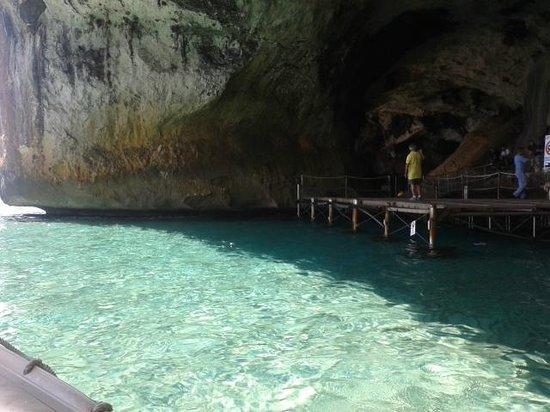 Camping Cala Gonone: costa raggiungibile in gommone