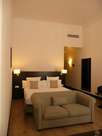 Hotel Molina Lario : Rm 118 - lay out by hotel