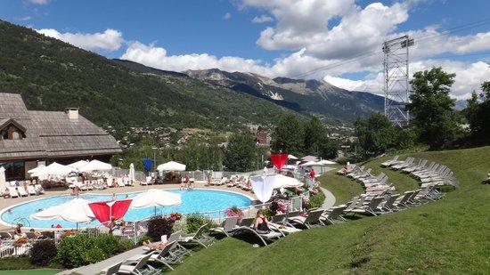 Club Med Serre-Chevalier: piscina