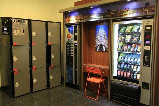H Top Bcn City : Vending Machines