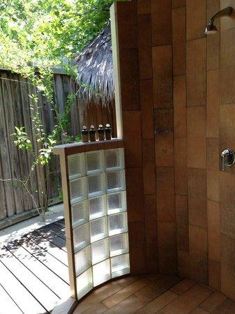 Kuredu Island Resort & Spa: Salle de bain ouverte